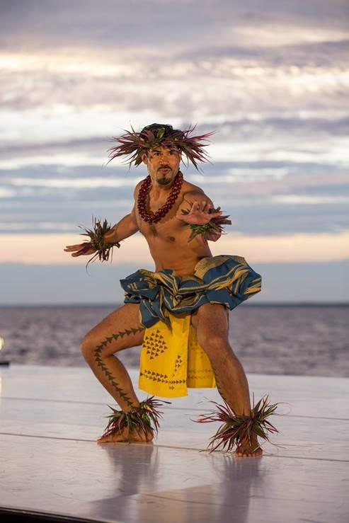 male hawaiian flame dancer